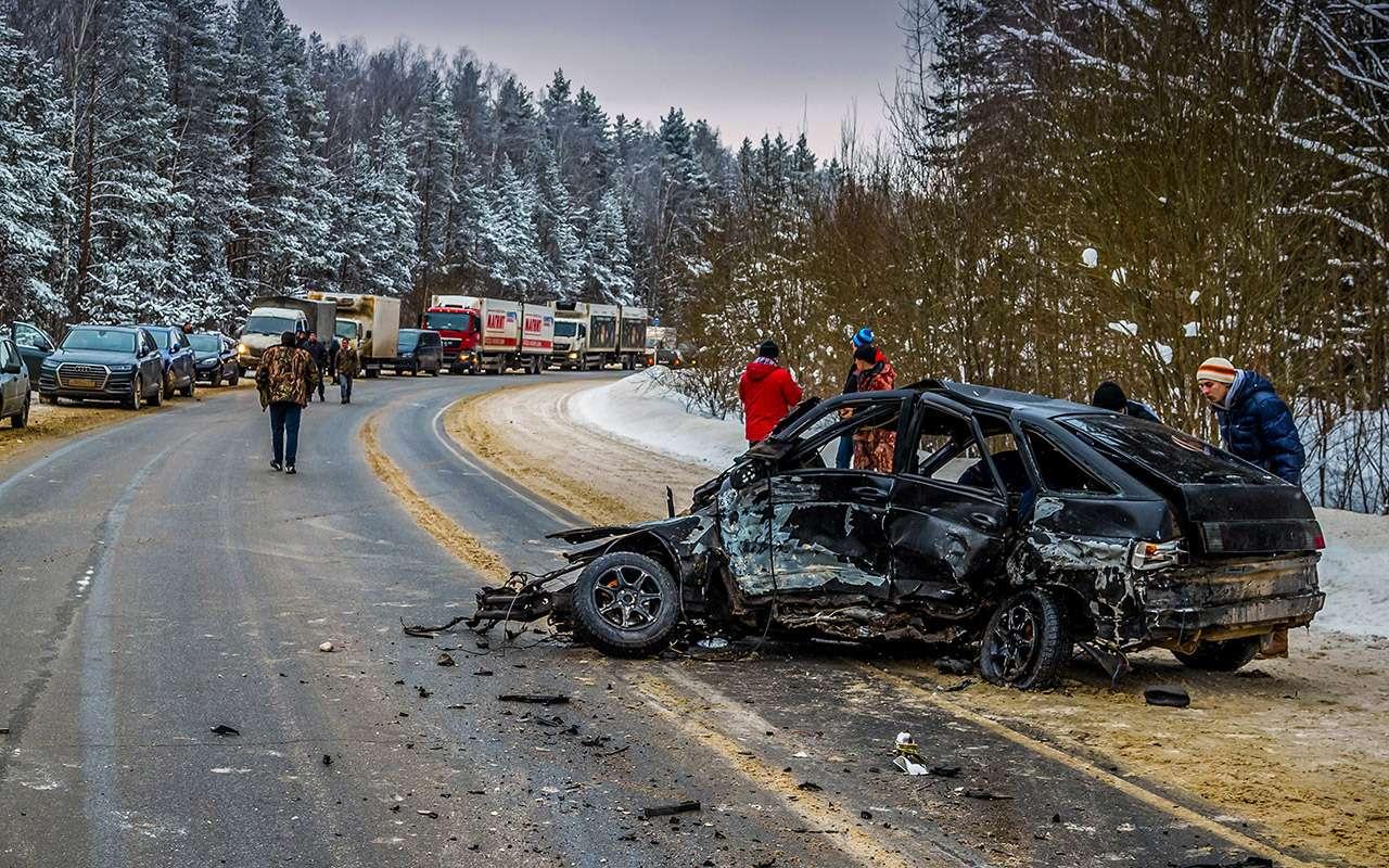 Смертность надорогах иСтратегия безопасности: проблемы есть, решений нет— фото 861376