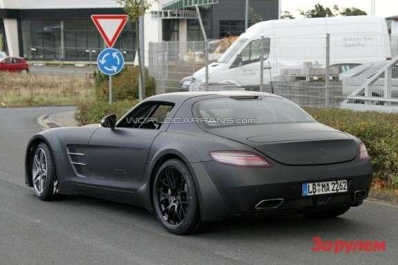 Mercedes-Benz SLS AMG Black Series test prototype side-rear view