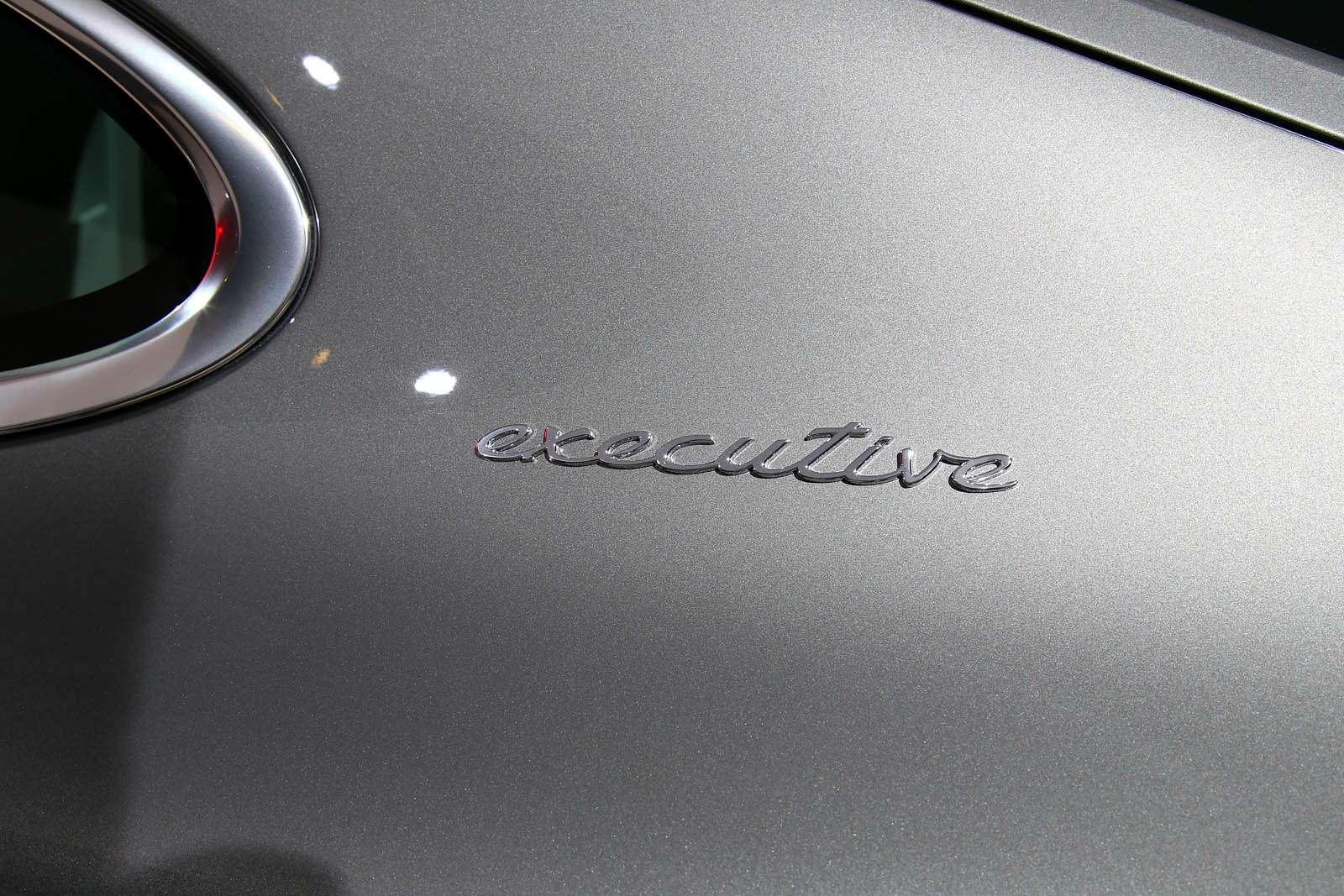 Быстрая немецкая «такса»: длиннобазная Porsche Panamera приехала вЛос-Анджелес— фото 665242