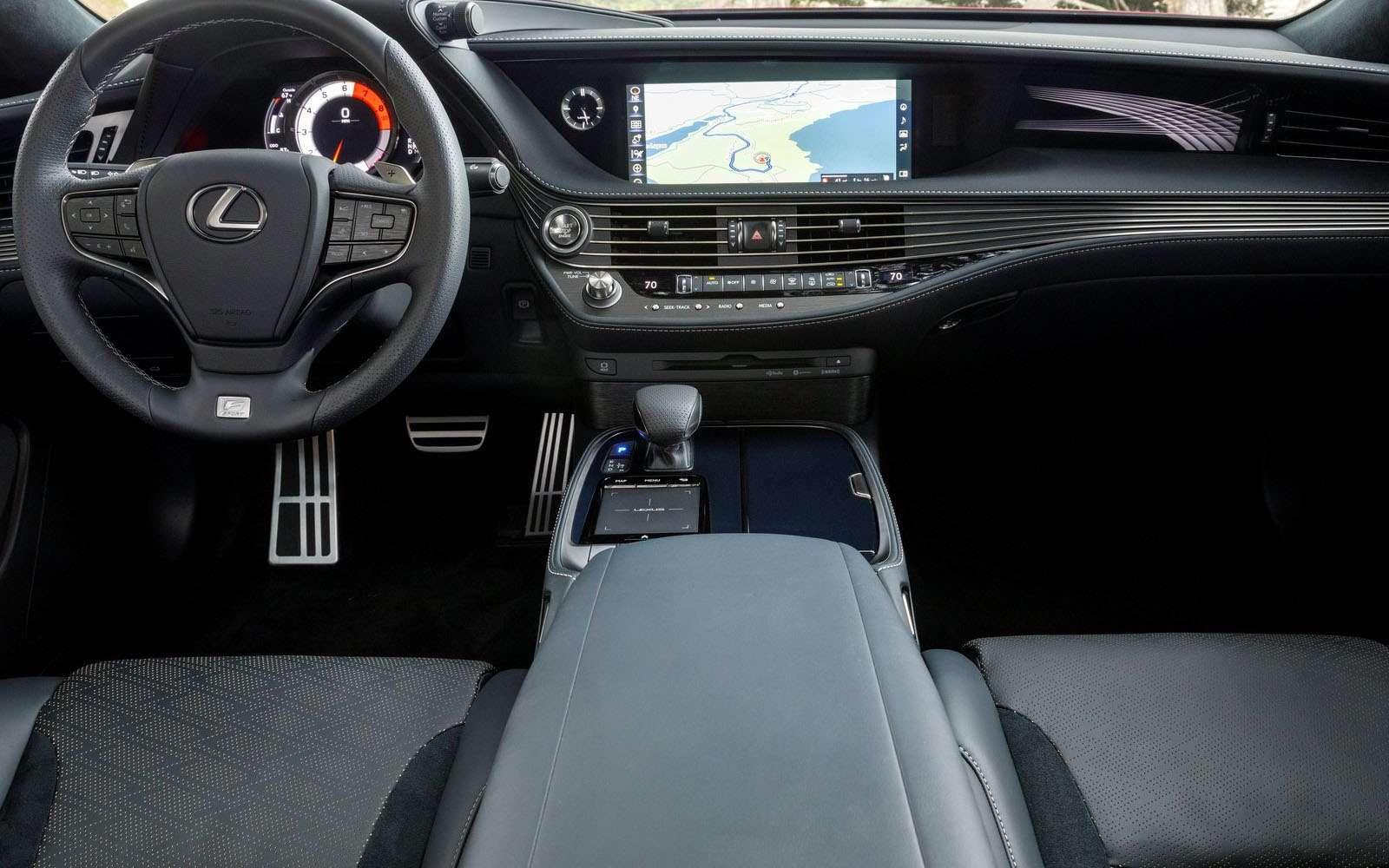 Lexus подготовил свой ответ «шестисотому»— фото 800919
