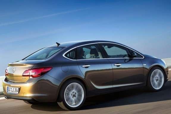 Opel Astra Sedan side-rear view 2