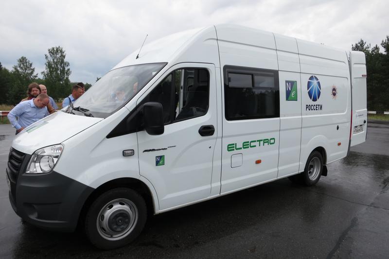 Электрический автобус представила навыставке «Группа ГАЗ»