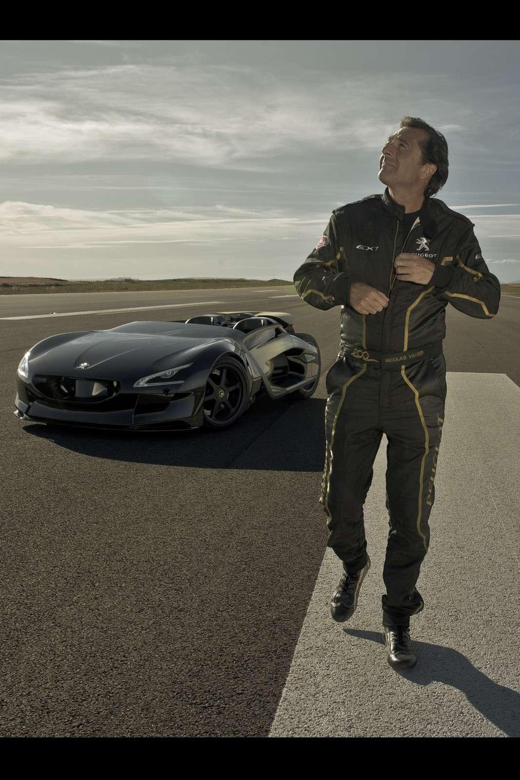 Peugeot-EX1-Concept-19