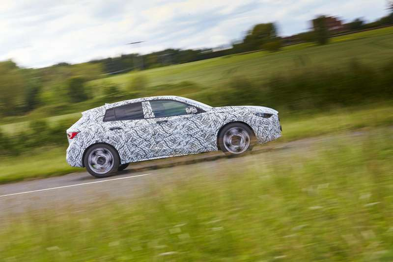 infiniti-q30-confirmed-to-debut-at-the-frankfurt-motor-show-video-photo-gallery_7