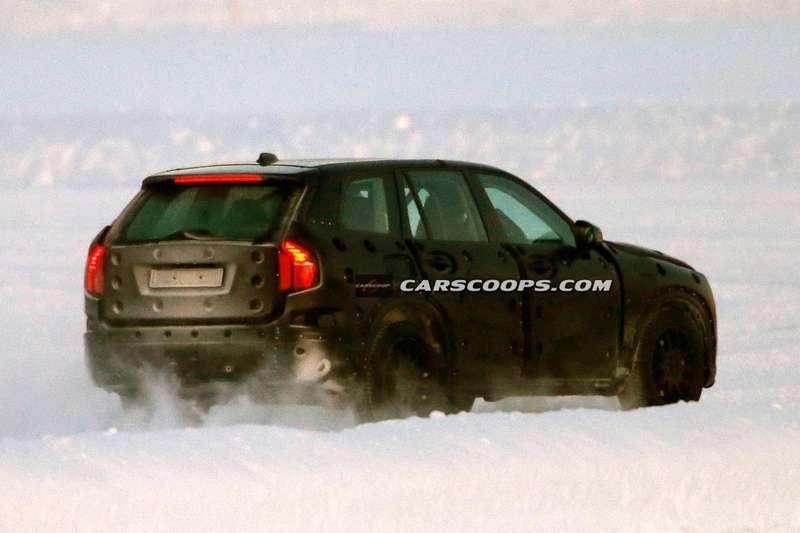 2015-Volvo-XC90-8Production_no_copyright