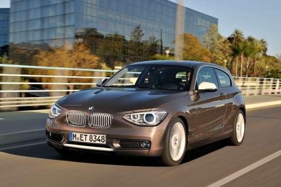 BMW1-Series 3-door side-front view