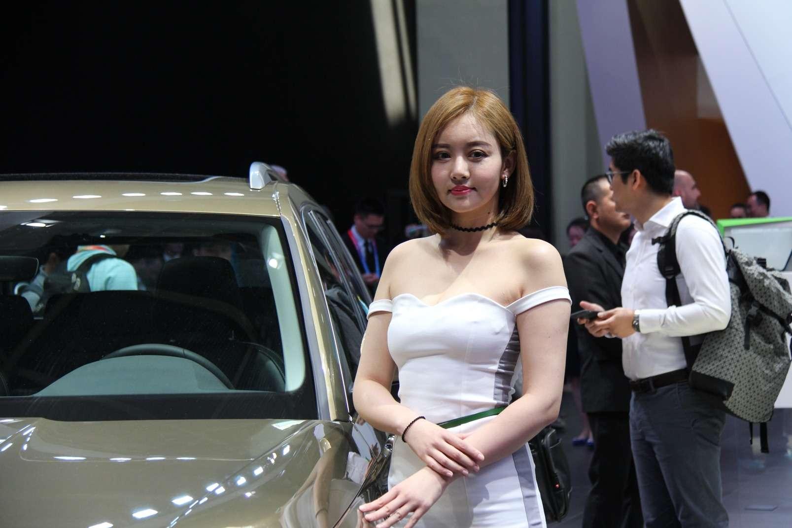 Девушки Пекинского автосалона— 2018— фото 865601