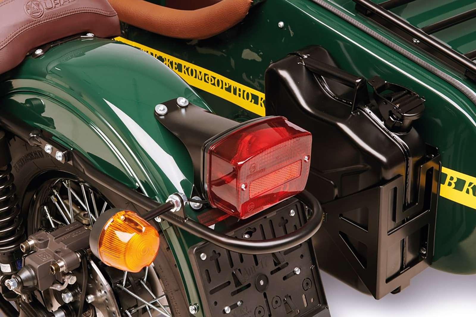 Новая версия мотоцикла Урал: теперь сканистрой водки— фото 911062