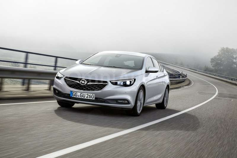 Opel Insignia Grand Sport дебютировал винтернете
