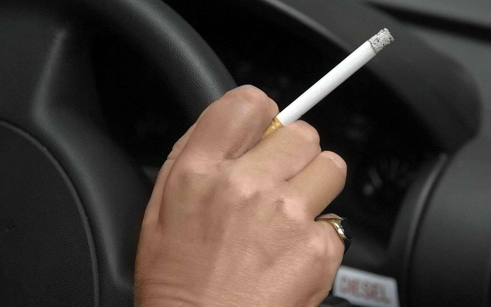 Курение вавтомобиле: электроника против табака— фото 594595