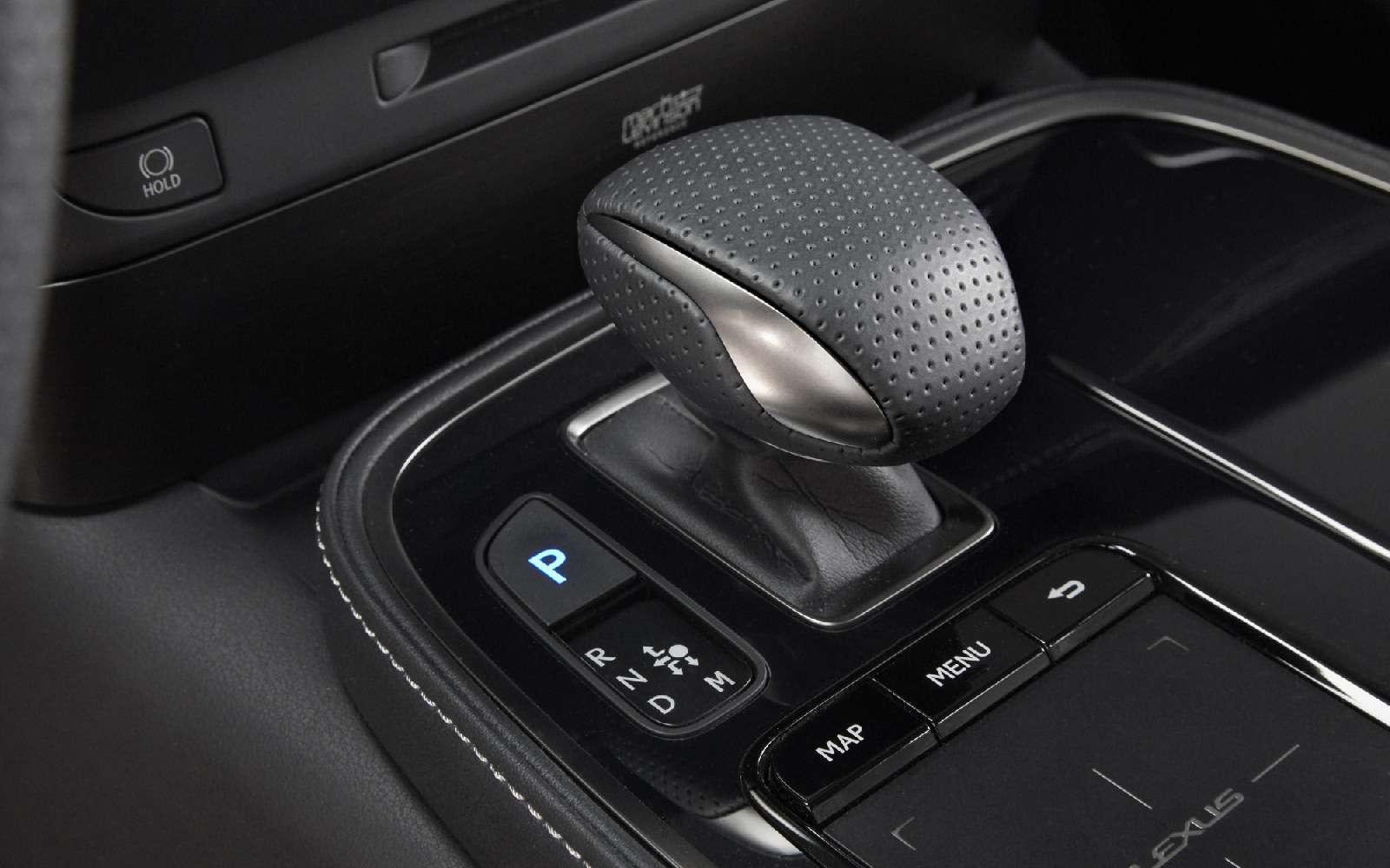 Выход третий, спортивный: Lexus LSFSport отпразднует премьеру вНью-Йорке— фото 735352