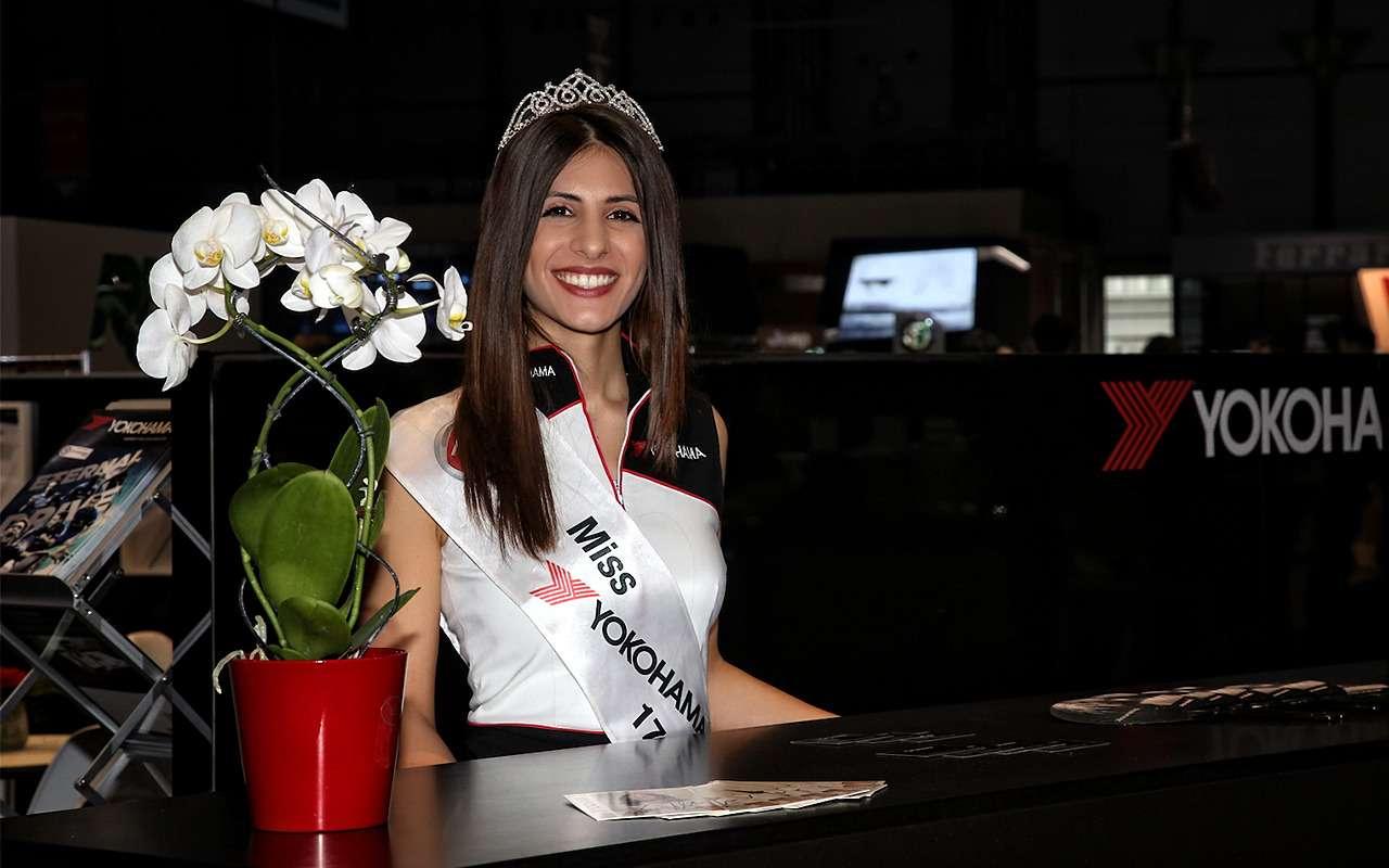 Самые красивые девушки Женевского автосалона— фото 851222
