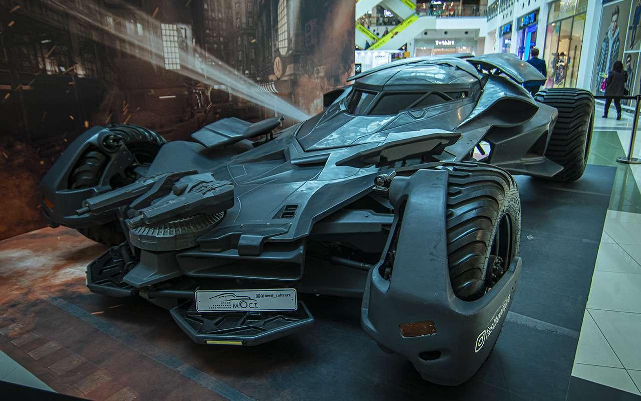 Бэтмобиль и другие прикольные машины (17 фото с выставки) - фото 1168690