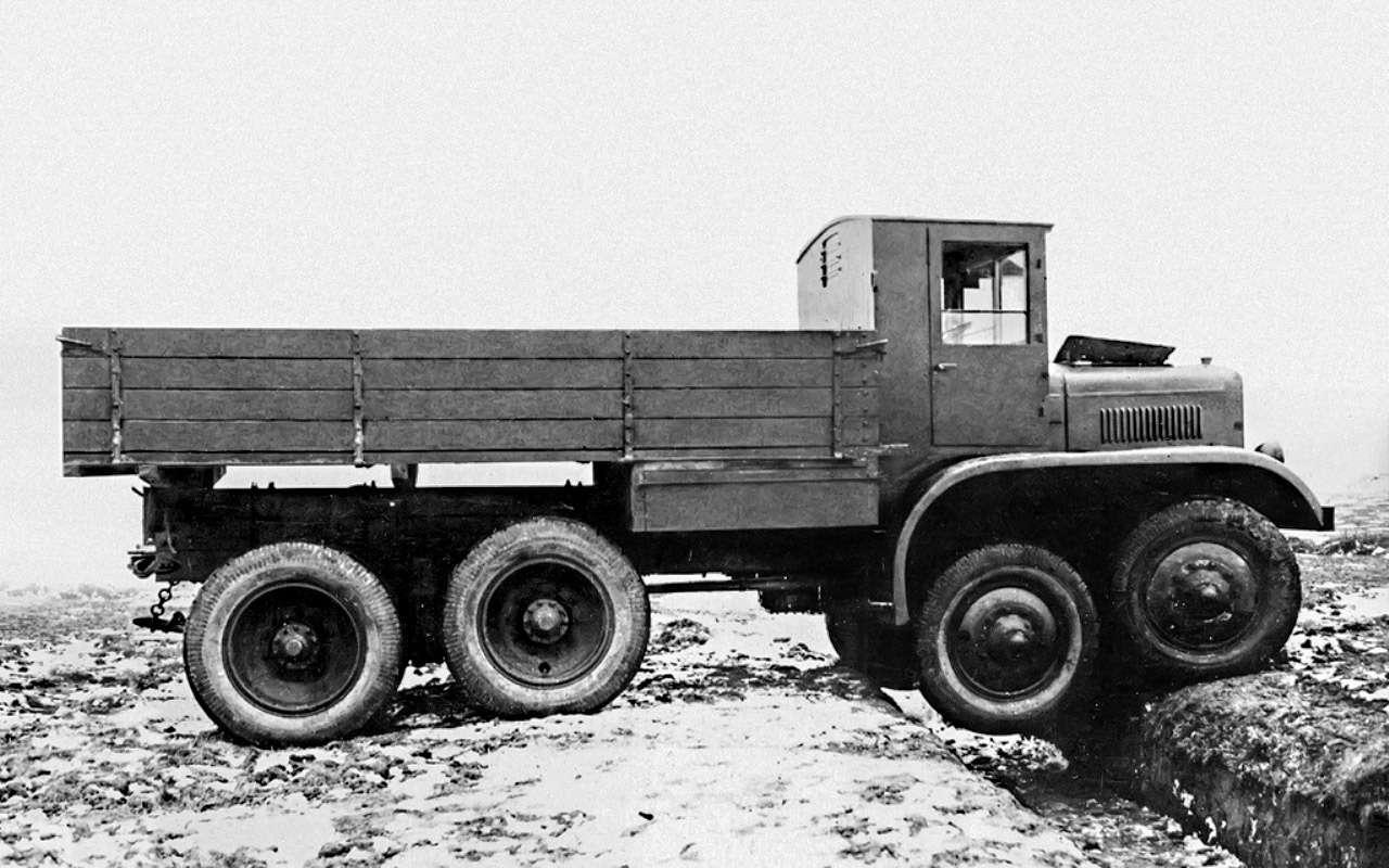 Уникальный четырехосный грузовик ЯГ‑12: символ мощи Советов— фото 1275726