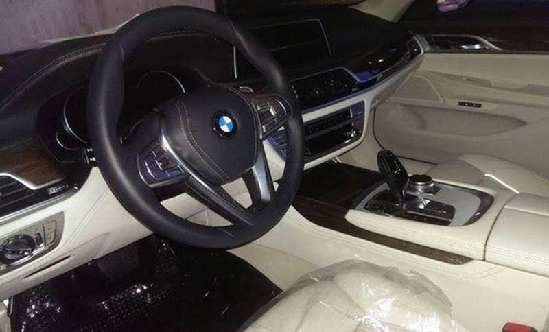 2016-BMW-7-Series-4