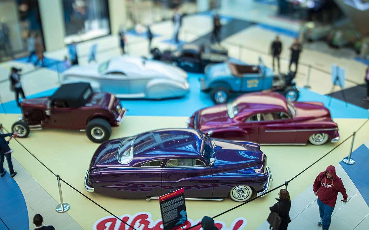 Бэтмобиль и другие прикольные машины (17 фото с выставки) - фото 1168681