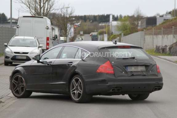 Mercedes-Benz CLS 63AMG Shooting Break test prototype side-rear view