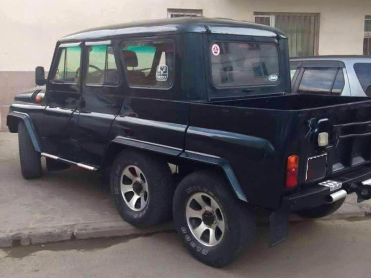 УАЗ-седан изакос подГелендваген: 3внедорожника по-монгольски