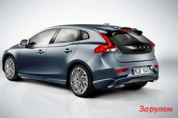 Volvo V40 side-rear view