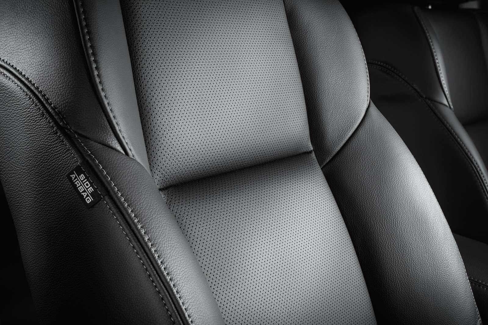 Honda_CR-V_interior_015
