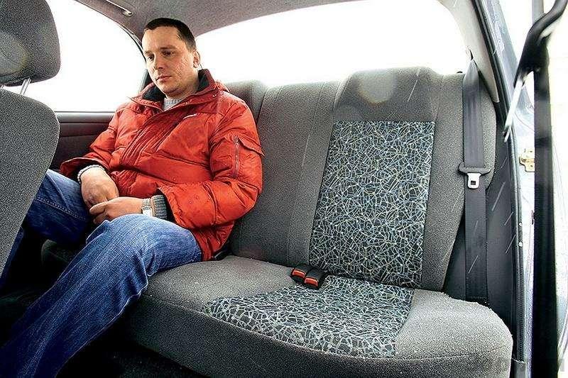 Блицтест Lada Priora, Chevrolet Lanos: Кредит доверия— фото 345006
