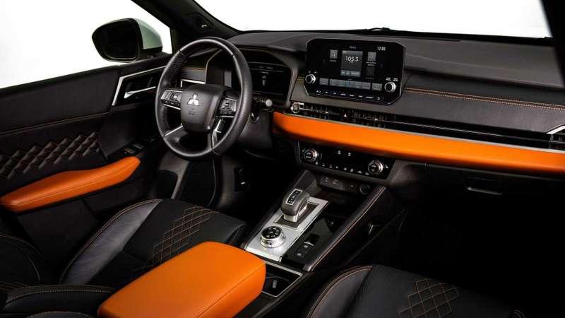 Новый Mitsubishi Outlander: с«нотками» X-Trail