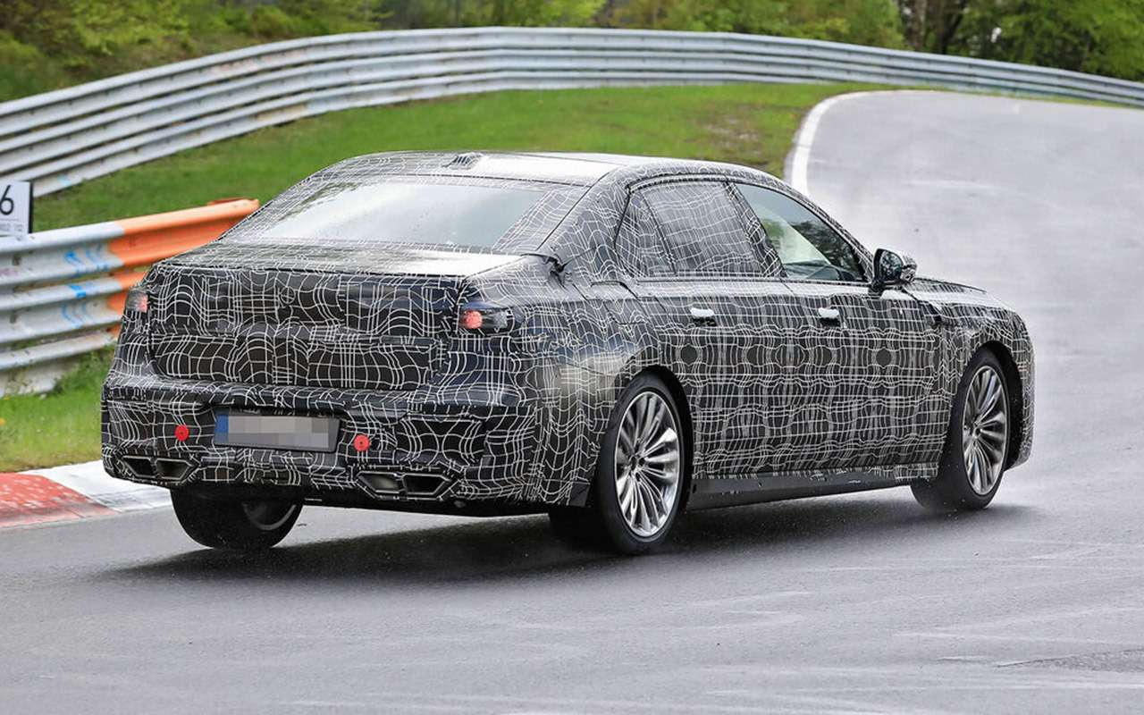 Новая «семерка» BMW: другая платформа идата дебюта— фото 1248934