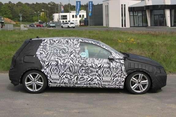 Volkswagen Golf GTI test prototype side view