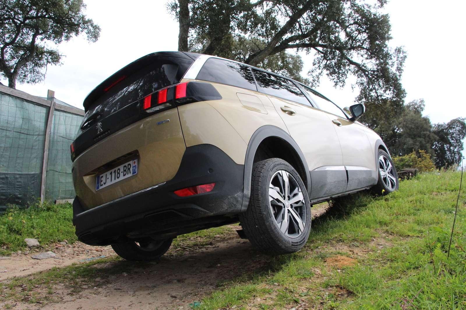 Оператив ЗР: зачем «опаркетили» Peugeot 5008?— фото 714311