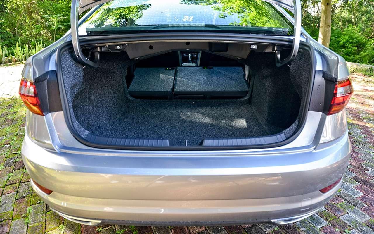 Новый Volkswagen Jetta: 5оценок идетальный тест-драйв— фото 1030558