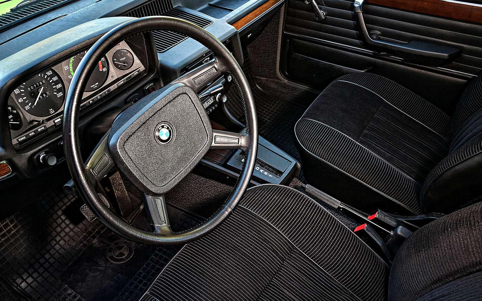 Интерьер BMW Е12