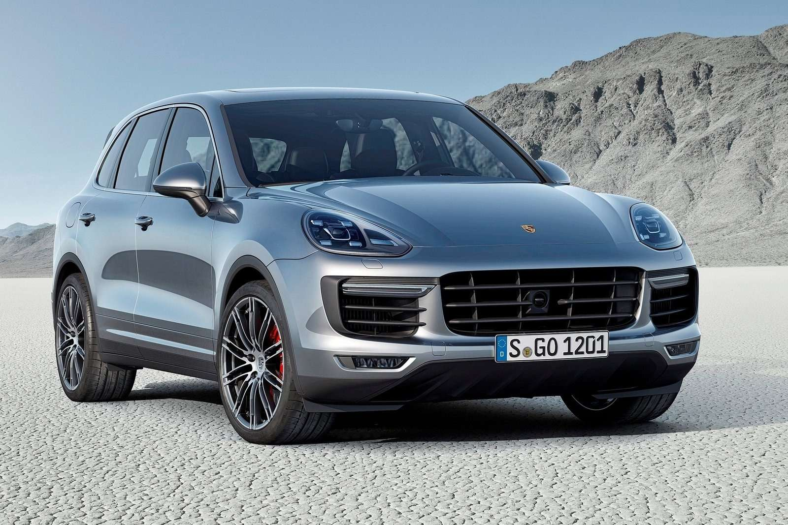 Porsche-Cayenne_2015_1600x1200_wallpaper_01