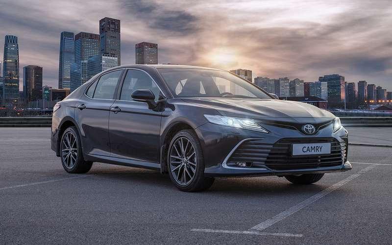 Обновленная Toyota Camry: продажи начались