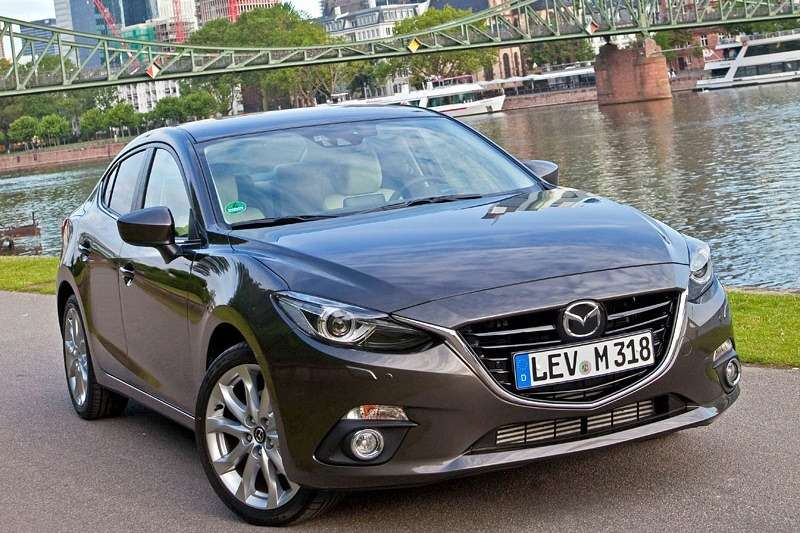 2014 Mazda3 Sedan 6[2] nocopyright (4)