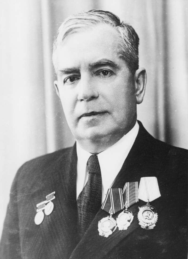 Евгений Чудаков