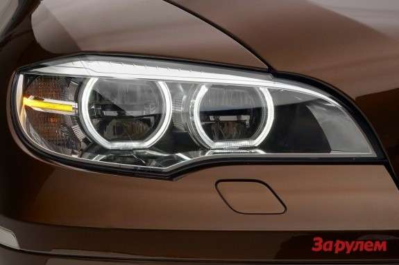 Facelifted BMW X6 LED headlamp