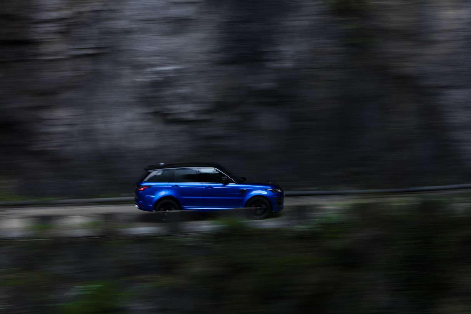 Range Rover Sport SVR оказался быстрее Ferrari нагорной дороге— фото 853301