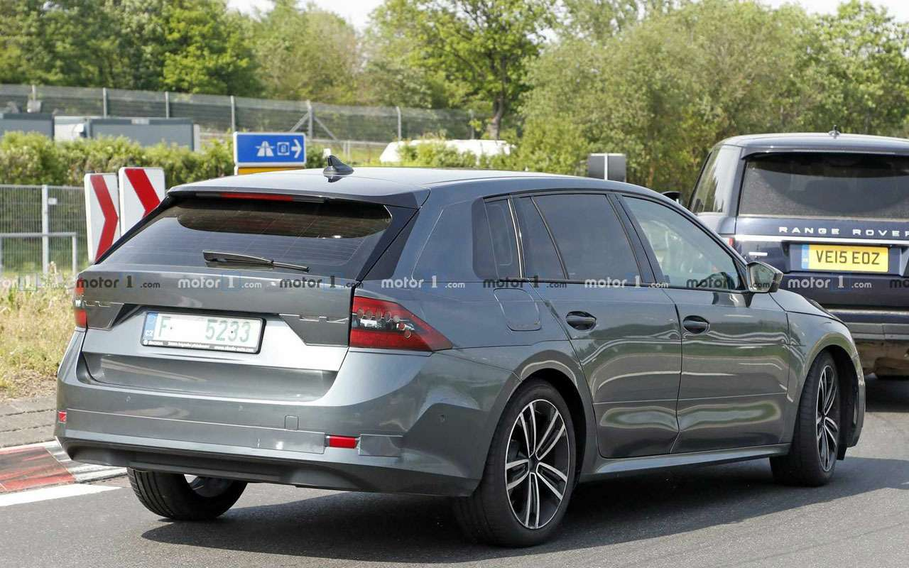 Новая Skoda Octavia проходит скоростные испытания— фото 978643