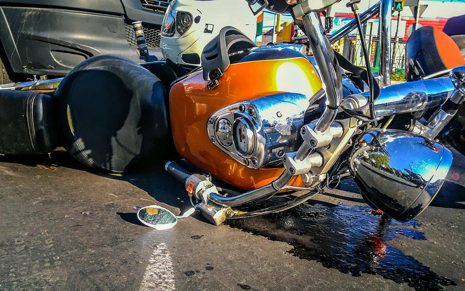 Мотоциклист надороге