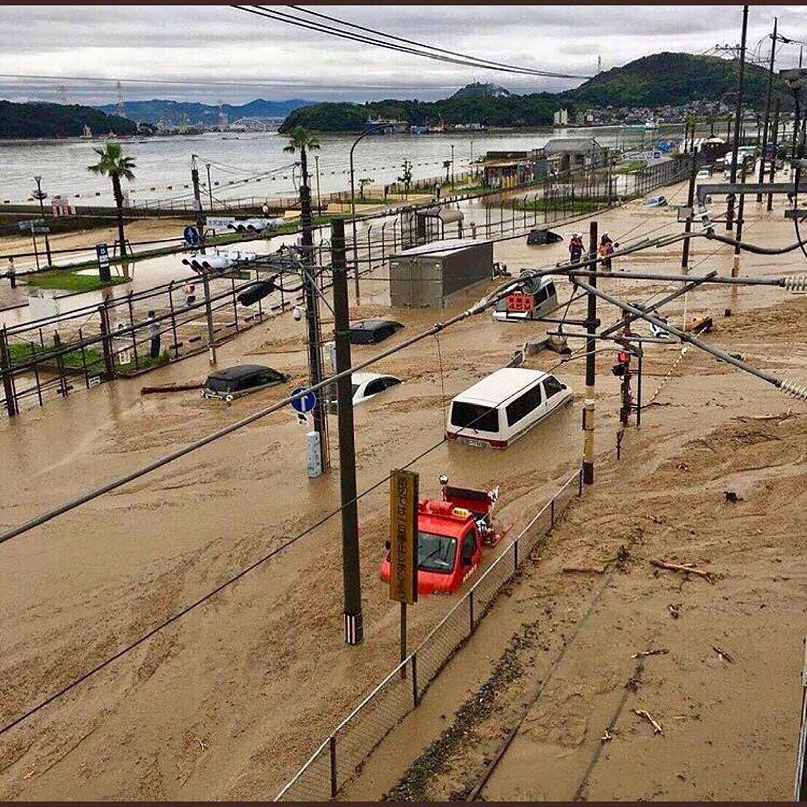 Наводнение вЯпонии: тысячи утопленных машин. Ждем ихвРоссии?— фото 886640