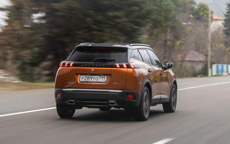 Peugeot 2008: 5плюсов ипара недочетов (помимо цены)