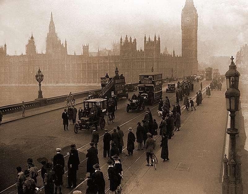 Возобновление гонки «Лондон— Брайтон» в1927 году. Это первое вистории соревнование старинных автомобилей