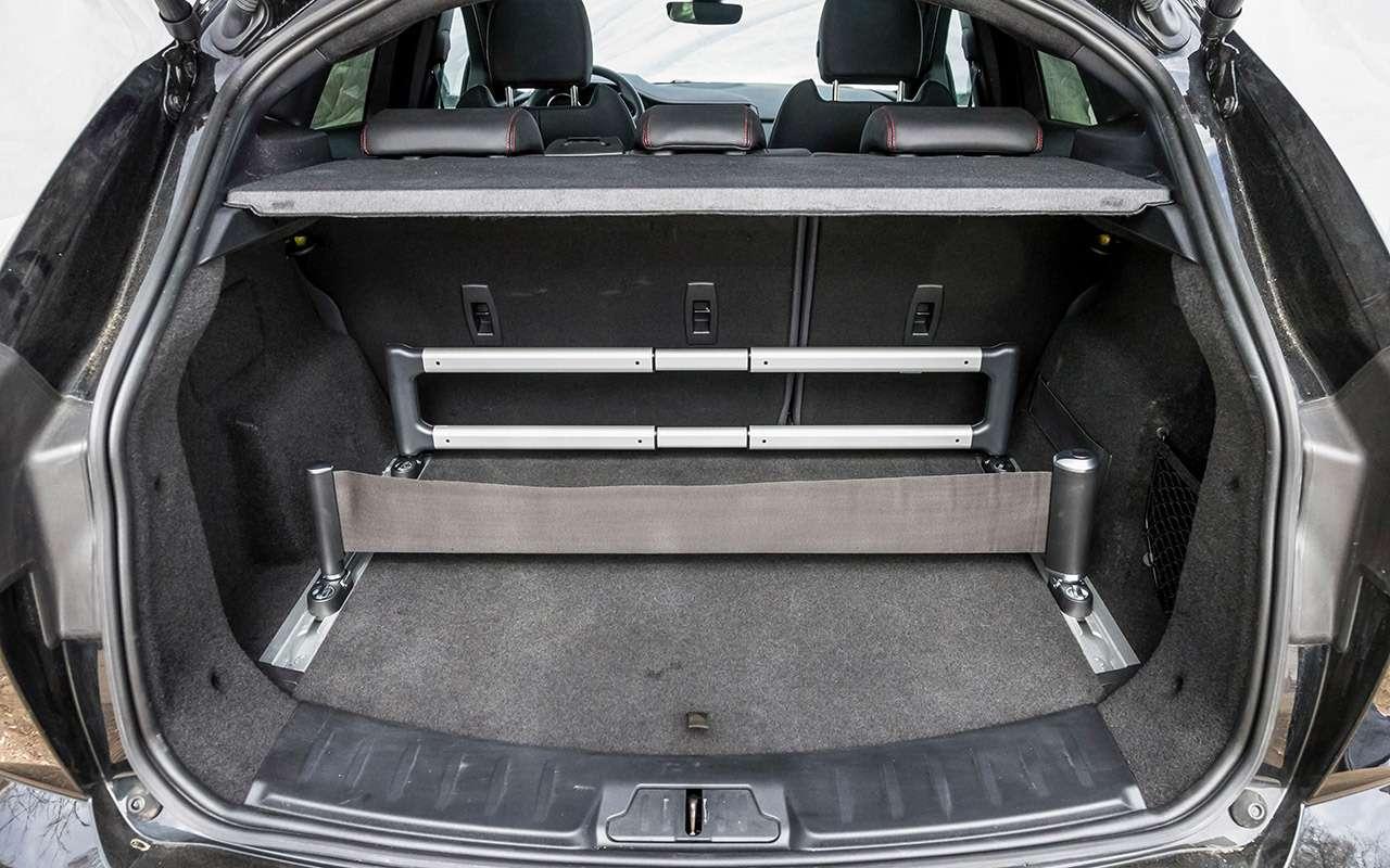 Большой тест маленьких, нодорогих кроссоверов: Volvo, Lexus, Jaguar— фото 983814