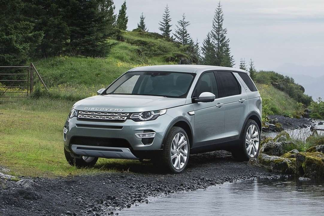 Land_Rover-Discovery_Sport_2015_1600x1200_wallpaper_02