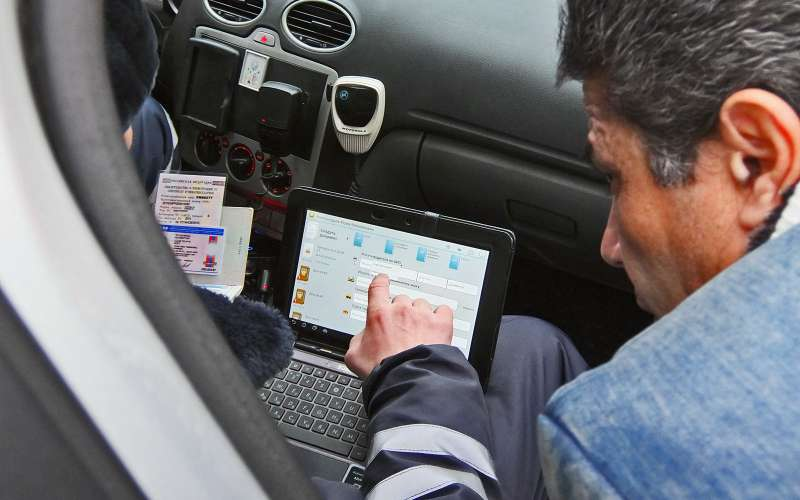 Инспектор ДПС снимет навидео опасное вождение