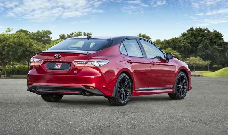 CwX5l7 iCec1ov0L7N Z1g=s800 Обновленная Toyota Camry: продажи начались