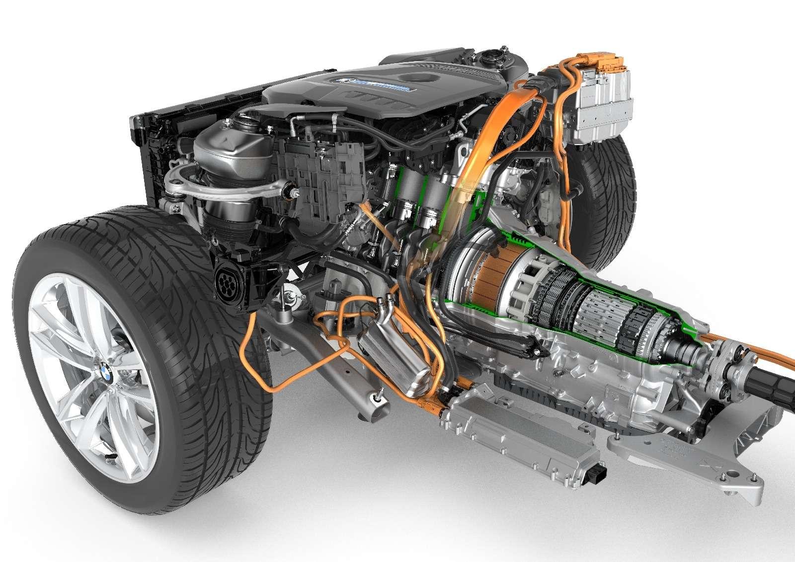 BMWобъявила остарте продаж вРоссии двух моделей линейки iPerformance— фото 596673