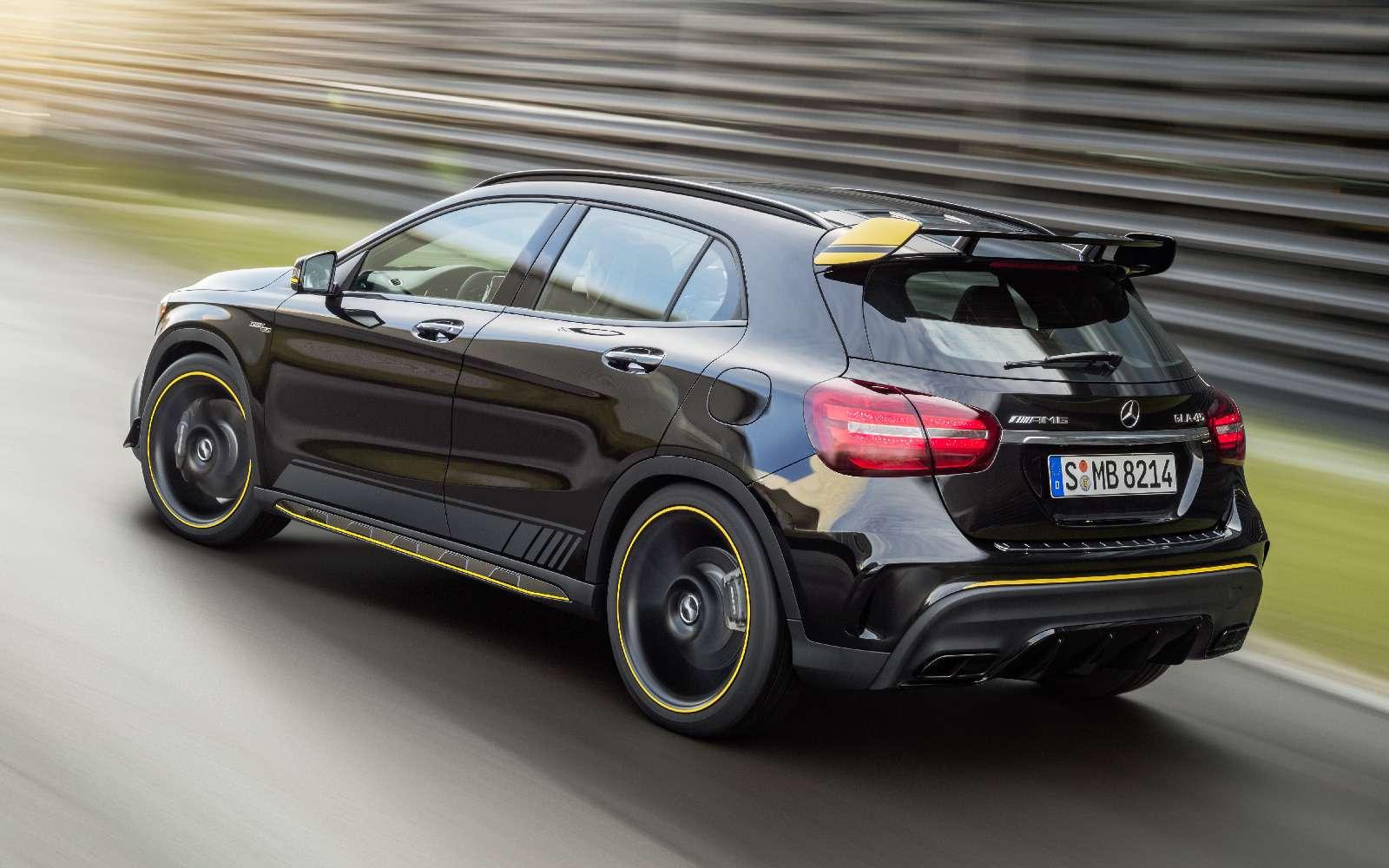 Mercedes-Benz GLA стал краше, нонепросторнее— фото 690087