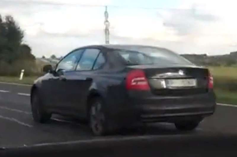 New Skoda Octavia test prototype side-rear view 2_no_copyright