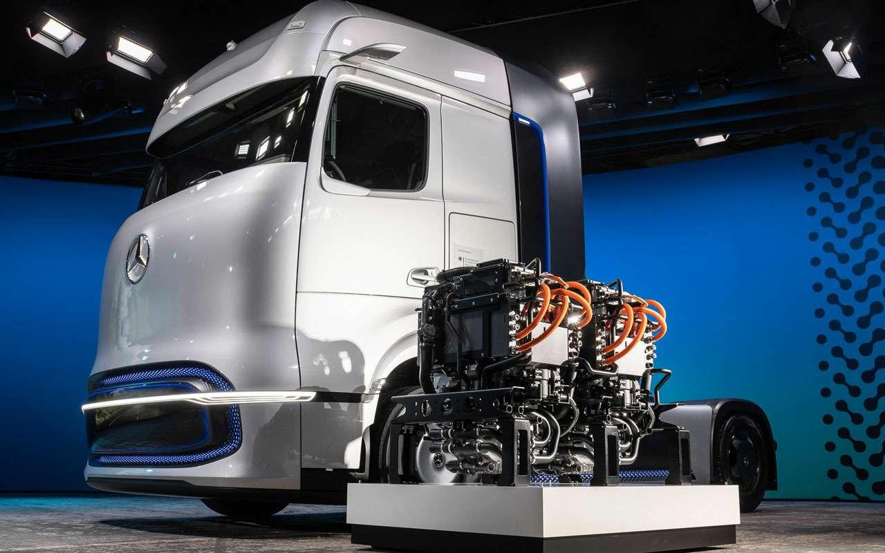 Mercedes-Benz представил уникальный грузовик— фото 1168158